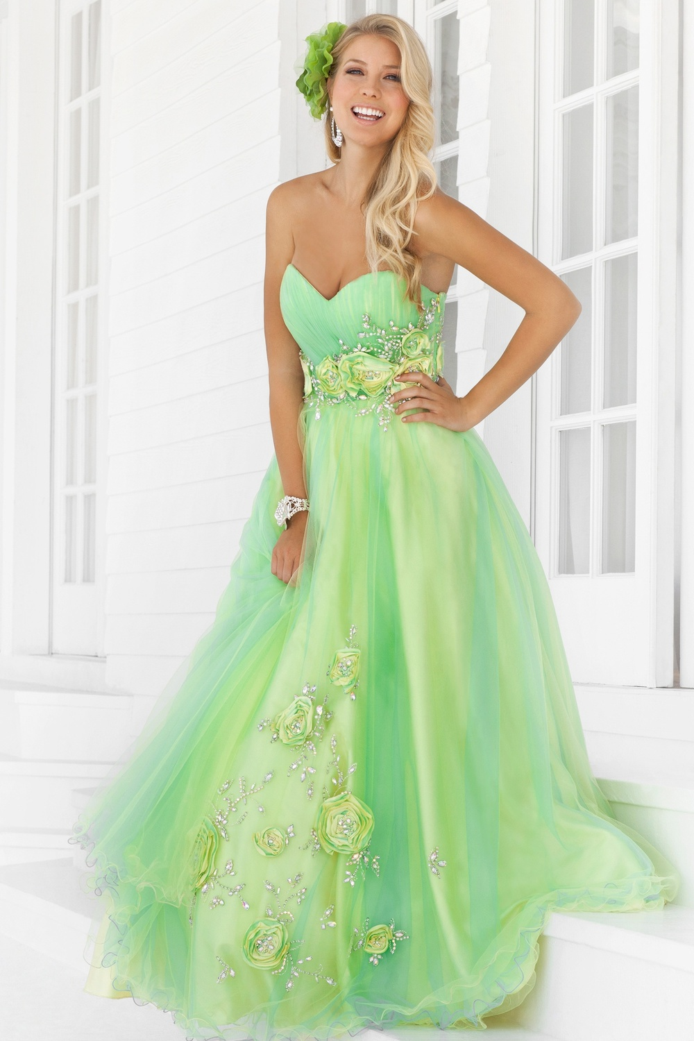 Choosing The Right Color For Your Prom Gown