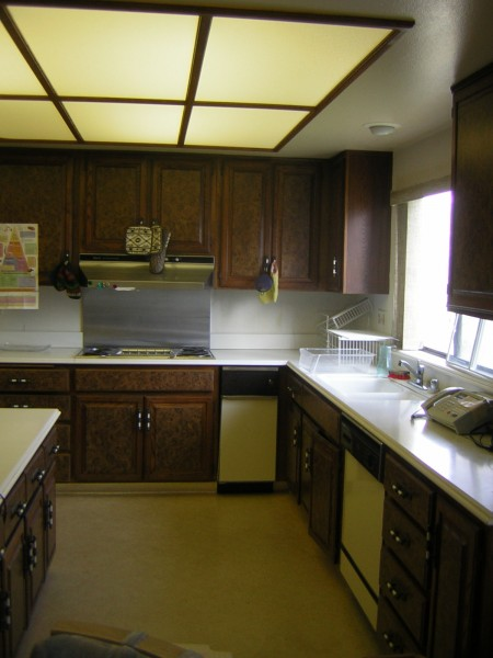 kitchen-long-view-stove-after